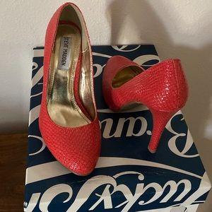 Brand new Steve Madden heels size 6